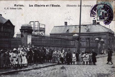cartes-postales-photos-La-Mairie-et-l-Ecole--Rentree-des-classes-AVION-62210-8060-20080117-4u4f0w6g0k2o7d2a4m5r.jpg-1-maxi